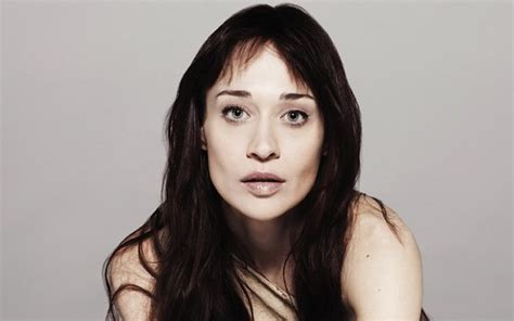 Fiona Apple arrested for drug possession, being held in