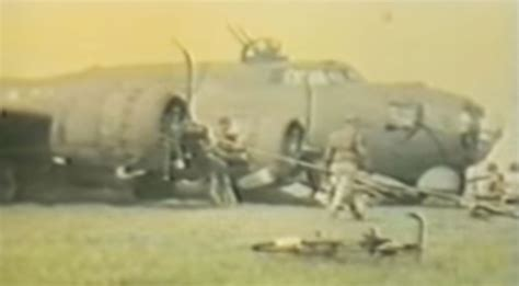 Amazing WWII Footage of A B-17 Belly Landing: This Pilot's