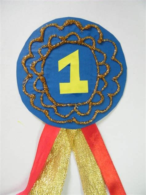 Number One Dad Badge Fathers Day or Mothers Day Gift Craft