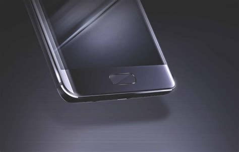 Huawei Mate 9 Goes Official With Two High-End Models But