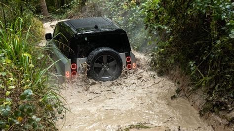 2020 Land Rover Defender 90 P400, P300: Review, Prices, Specs