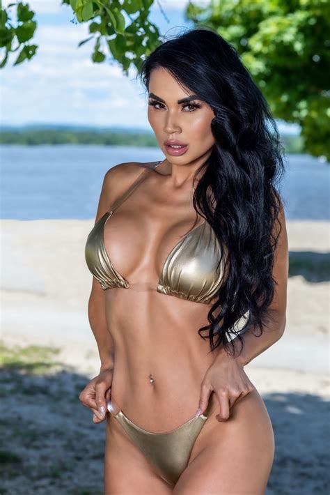 Kim Lu World Leading Fashion And Glamour Model Reveals Her