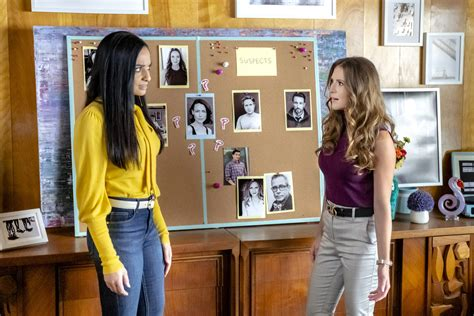 Hallmark's Picture Perfect Mysteries: Exit Stage Death