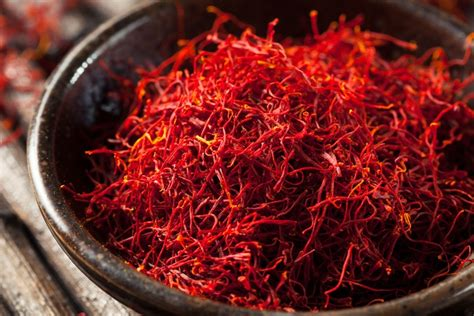 12 Reasons To Eat More Saffron & How To Tell If Your