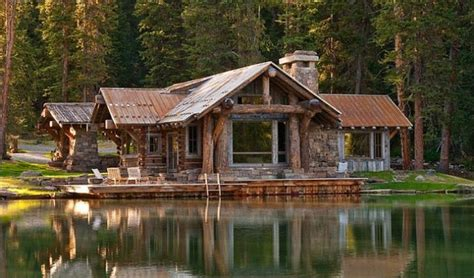 Beautiful Montana Log Cabin Is A Masterpiece - Cozy Homes Life