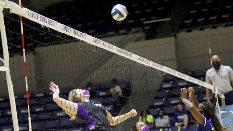 Bearcats hold off Mountain Lions - Young Harris College